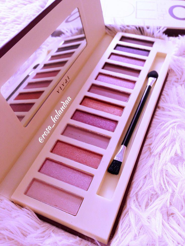 A Paleta Nude 2, super parecida com a Naked 3, vou fazer uma demo com ela. #maquiagem #makeup #dehoje #nude #vivai #beleza #beauty #amomaquiagem #paletas #tagsforlikes #likes #vaidosa #vaidade #vaidadefeminina #maquia #maquiagemperfeita #glamourosa #coisaboavemporaí #maquiagemtransforma #dica #dicas #ficadica #boanoite #noite #amor #sempre #pormaquiagem #rosa_holandaa #lol