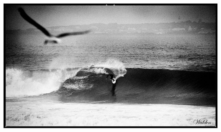 Surfing photography -  Surfing Derde Steen with Robin Island on the horizon
