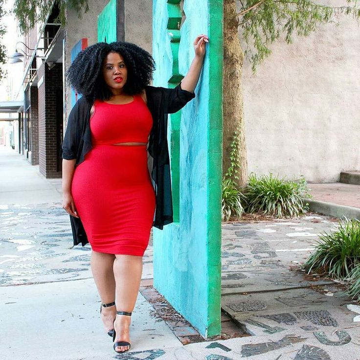 @naturallyfashionable is all curved up in RED  #bellacurves #curvystyle #curvygirlsrock #Celebratemysize #curvygirls #plussizefashion #plussizemodeling #plussizedesigners #blogger #plussizedemin #plussizebloggers
