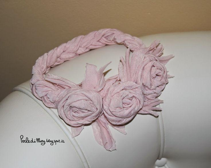 Perle di Mary Carmen: fascia per capelli con rose