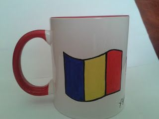 Cana pictata cu steagul Romaniei  /  Cup painted with the flag of Romania  ----  cana pictata manual / handmade painted mug * pret: 30 lei / price: 6 euro