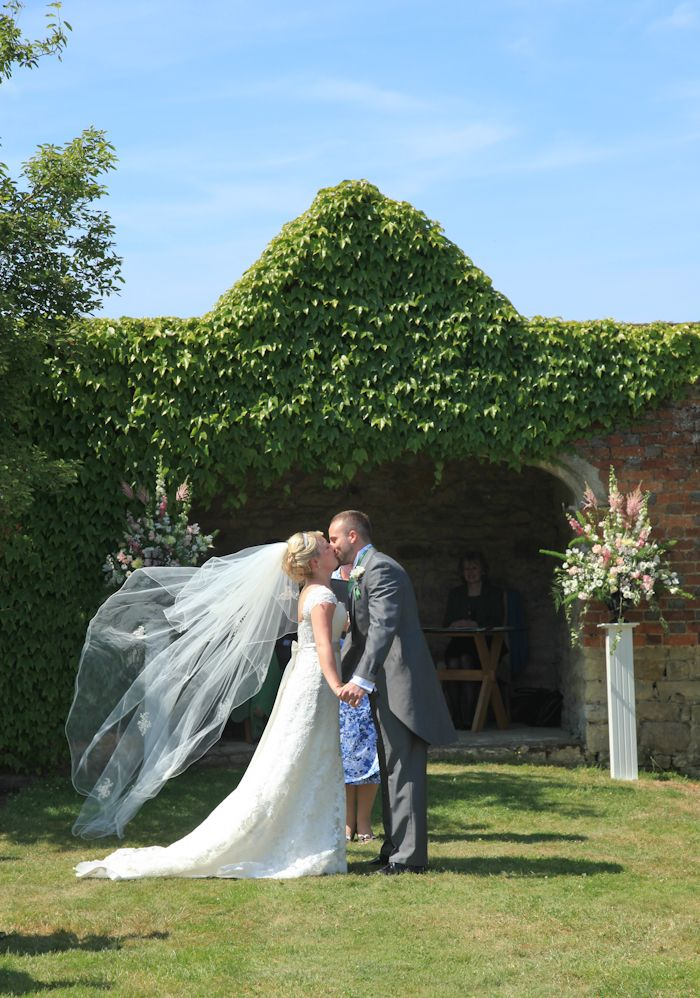 Pedestal at Notley Abbey for Charlotte and Andy, Photography by Shaneen Roswarne Cox Photography