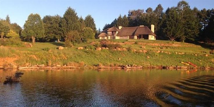 Rivermead Lodge - RiverMead House is a magnificent thatched Private Holiday Home situated on Goxhill Dam just outside of Himeville, surrounded by rolling farmlands with dairy cows scattered on the property. The drive to ... #weekendgetaways #himeville #southafrica