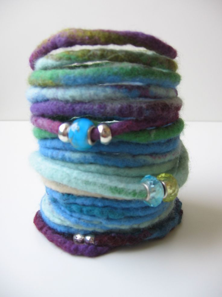 felt bracelet with glass beads