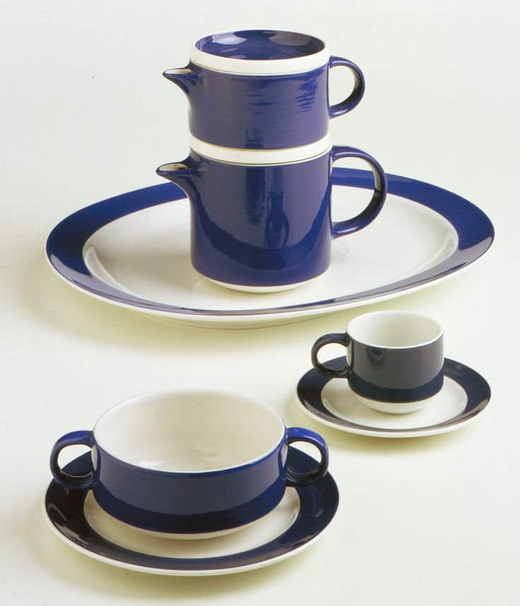 Servizio / coffee-tea service Colonna, Giovanni Gariboldi, Richard Ginori, 1954, courtesy Collezione Permanente – Triennale Design Museum _Ossessione V_La Democrazia Impilabile