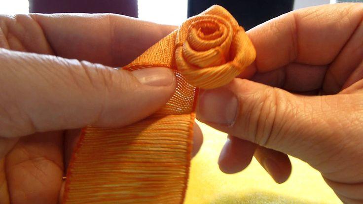 Wie eine ganz einfache Rose aus 1 m Geschenkband gebunden wird. Band mit Drahtkante 4 cm breit 1 m lang. Artikel von www.konrad-arnold.de See how you can mak...