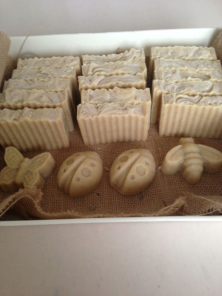 Rocha zeep Geitenmelk, honing, havermout met ylang ylang geur