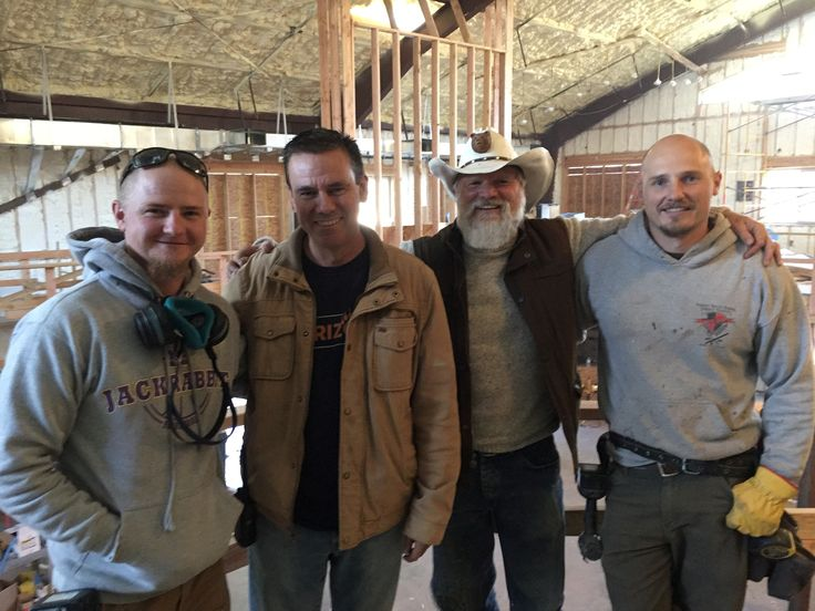 The owner/founder of Wildlife Park Bearizona, long time friend, Sean Casey with Jonathan The Bear Man and Sons, Jesse Artist of Eagles far right and Josh Fine art Painter and Sculptor far left, taken as they began art for the famous Canyon lands restaurant of Bearizona!