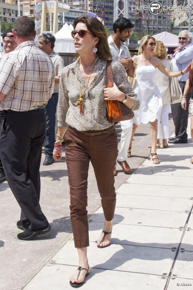 La princesse Caroline est passée voir sa fille Charlotte Casiraghi lors du Jumping international de Monte-Carlo (CSI5*) le 28 juin 2012.