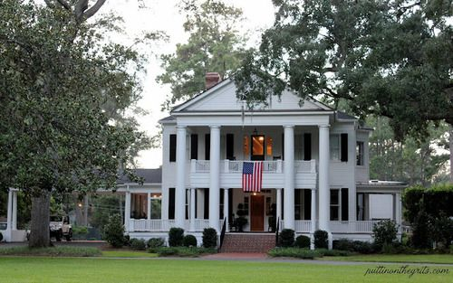 Things we love columns curb appeal exterior house love for Plantation columns