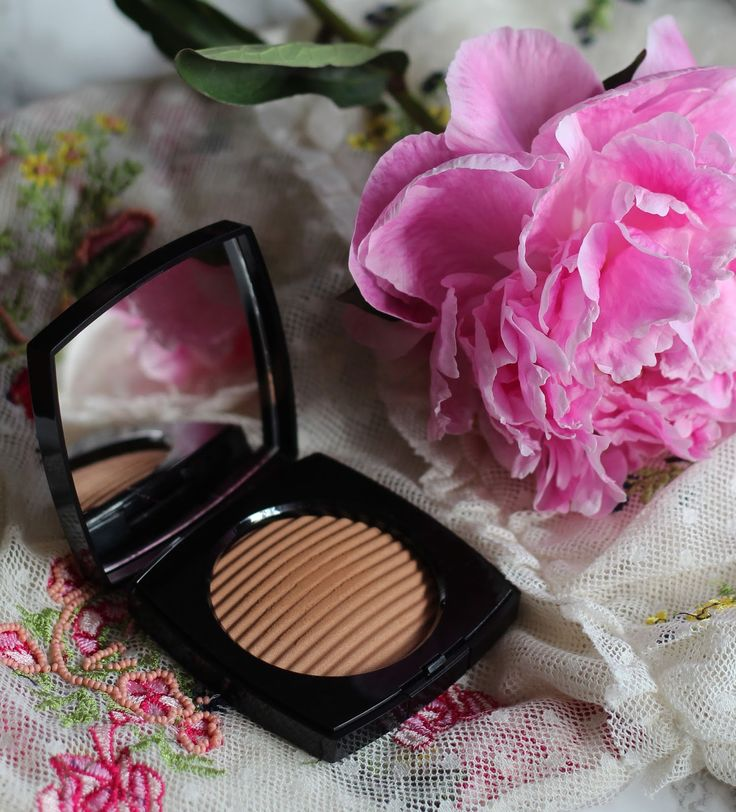 Chanel Les Beiges- poudre belle mine ensoleillée - healthy glow luminous colour- Review || Cruise Collection 2017 #chanelbeauty #beauty #chanel #chanelcosmetics #chanelmakeup #chanelcruisecollection #cruisecollection #chanelbronzer #bronzer #bronzer2017 #summer #summermood #pretty #beautiful #beautyblog #beautyblogger #blogger #beauty #chanellesbeiges #chanellesbeigesenoleillee #healthyglow #chanelmediumdeepbronzer #chanelpudrebellemineensoileilee #healthyglowluminouscolour
