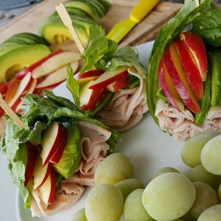 Apple Avocado Turkey Wraps Clean Eating Sweet Fresh thin-sliced Apple slices . Avocado sliced thin, with fresh lemon juice squeezed over the top. Nitrate Free sliced Turkey such as Applegate brand. Fresh-Crispy Iceberg Lettuce Leaves