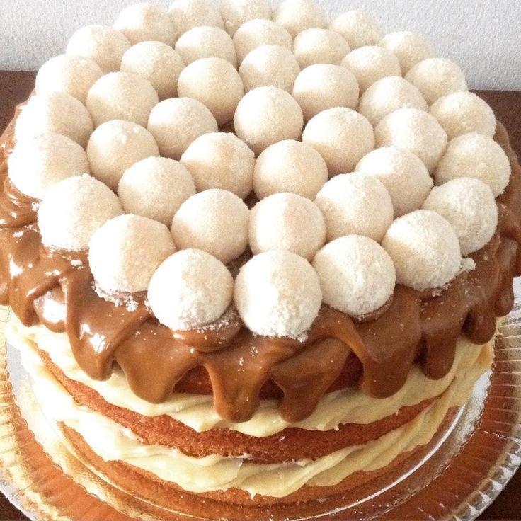 Naked cake de leite ninho com doce de leite