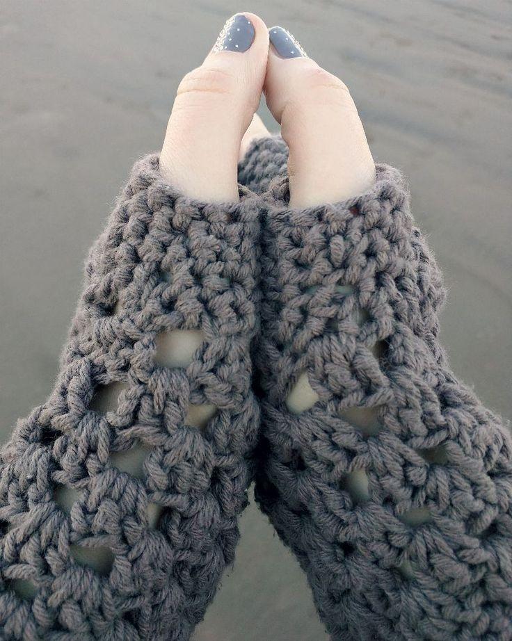 Crochet Patterns Using Chunky Yarn : chunky fingerless gloves (free crochet pattern) by ...