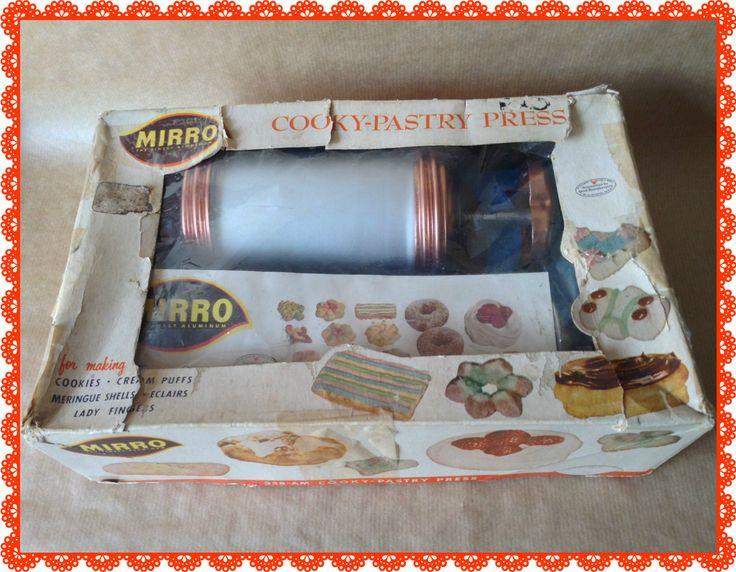 Mirro Biscuit & Icing Gun Vintage in box