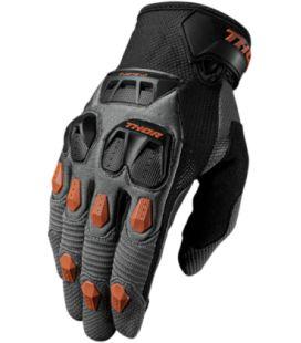 GUANTE DE MOTO THOR S7 DEFEND NARANJA :Guante para motocross con todo lo que necesitas: protecciones, buena ventilación, secciones de agarre y movilidad. Y por si fuera poco, es compatible con dispositivos táctiles.