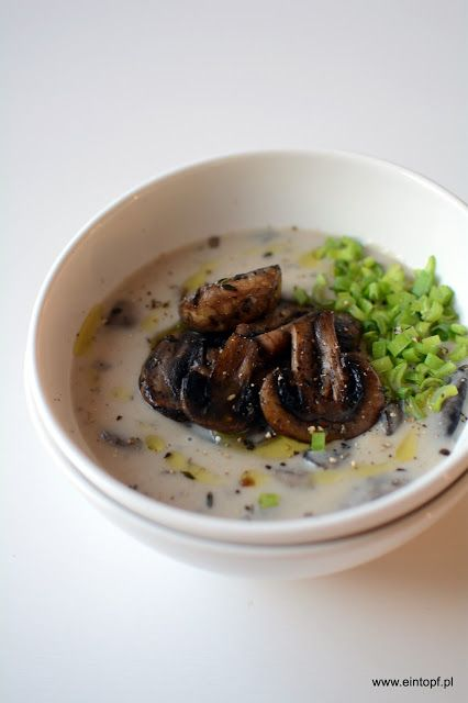 eintopf: zupa pieczarkowa z oliwą truflową