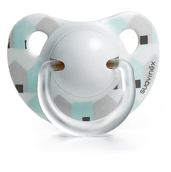Sauvinex Chupete Anatómico 0 a 3 meses. Con tetina anatómica que imita la forma del pezón materno durante la succión, adaptándose perfectamente al paladar. Avalada por la Sociedad Española de Odontopediatría. Disponible en 6 diseños distintos. 0 a 3 meses.