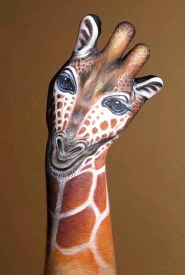 hand painted like a giraffe: Paintings Art, Hands Paintings, Body Paintings, Body Art, Handart, Hand Art, Giraffes, Hands Art, Bodyart