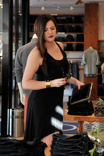 Khloe Kardashian: I love her lipstick here.