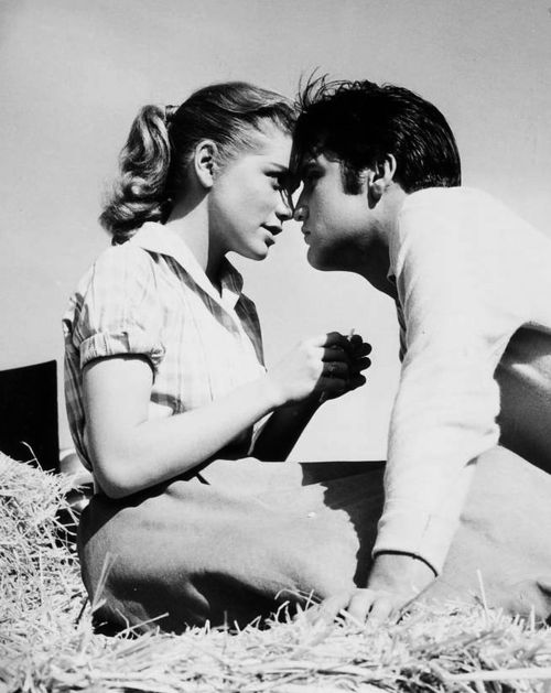 Elvis and Dolores Hart - Loving You (1957)