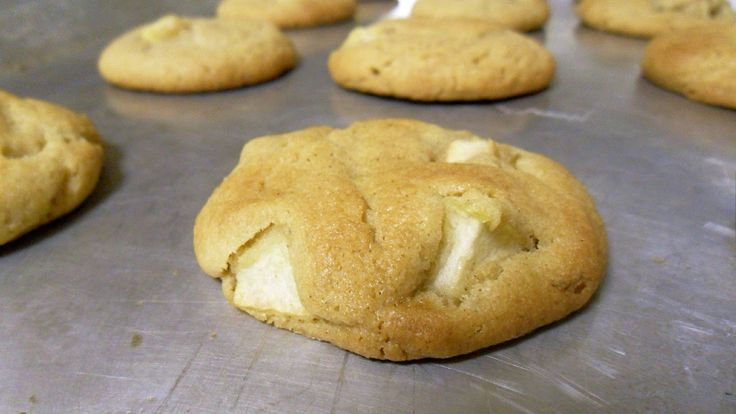 Apple peanut butter cookies | Food for little mouths | Pinterest