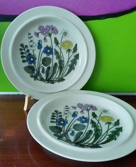 Mira este artículo en mi tienda de Etsy: https://www.etsy.com/es/listing/523624150/arabia-finland-flora-pattern-dinner