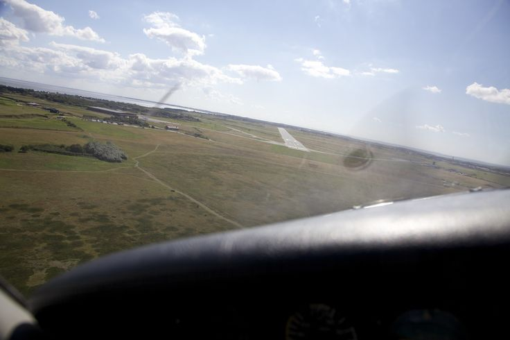 Landing on runway 14 of Sylt airport. http://www.flughafen-sylt.de