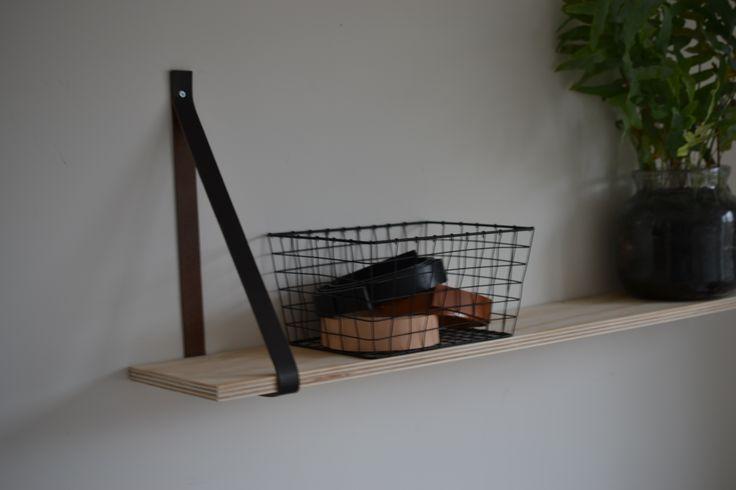 Leren plankdragers   donkerbruin leer   plank ophangen   VanStoerHout