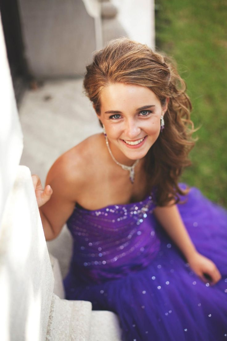 Win a free prom dress as Wedding Shoppe Inc.'s Prom Girl of the Year!