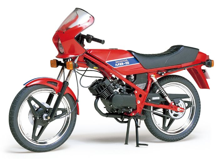 The Tamiya Honda Model Kit In Scale From The Plastic Motorcycle Models  Range Accurately Recreates The Real Life Japanese Light Motorcycle.