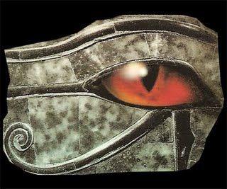 egipcia_olho-de-horus  ''Olho de Hórus ou 'Udyat' é um símbolo, proveniente do Egito Antigo, que significa proteção, coragem e poder, relacionado à divindade Hórus. Era um dos mais poderosos e mais usados amuletos no Egito em todas as épocas.''