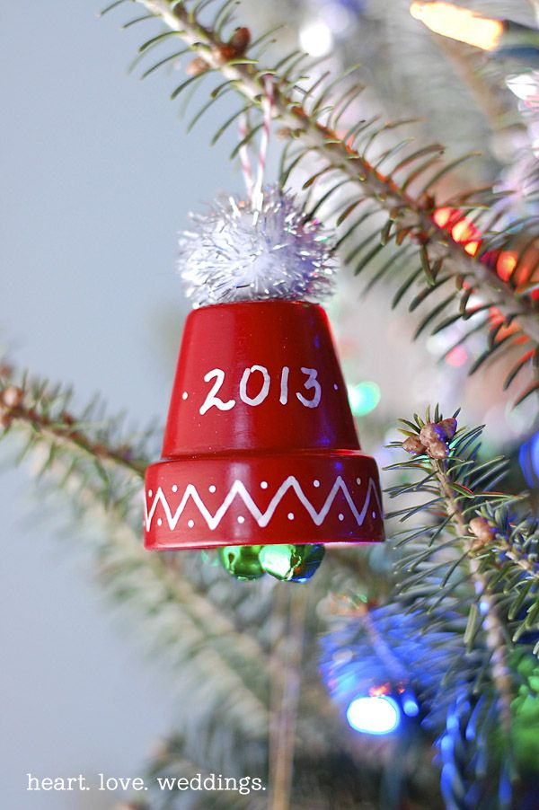 105 best mason jars glassware glass blocks and clay pot stuff cute and fun diy christmas ornaments including this cute little winter hat with jingle bells solutioingenieria Gallery