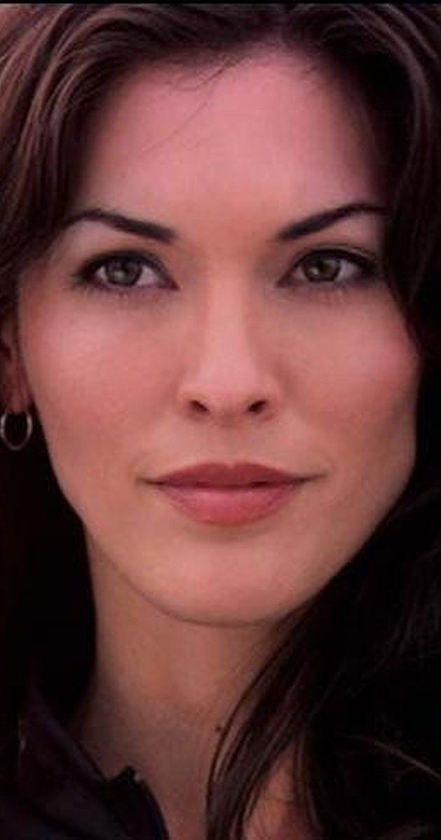 """Alana De La Garza, Actress: Law & Order. Alana De La Garza was born in Columbus, Ohio and later relocated to Texas, ultimately attending the University of Texas at El Paso (UTEP). After college, she moved to Orlando, Florida, landing roles in a number of independent films as well as commercials. Her work took her to New York, where she studied extensively under renowned acting instructor JoAnna Beckson. After getting her break as """"Rosa ..."""
