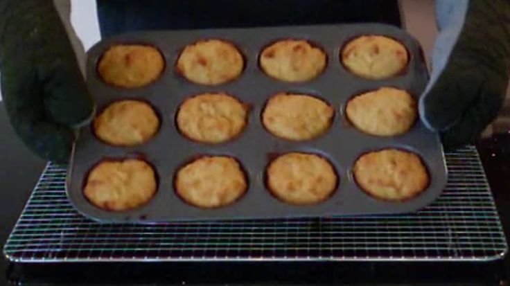 how to make delicious Cornmeal Muffins EASY FOOD RECIPES