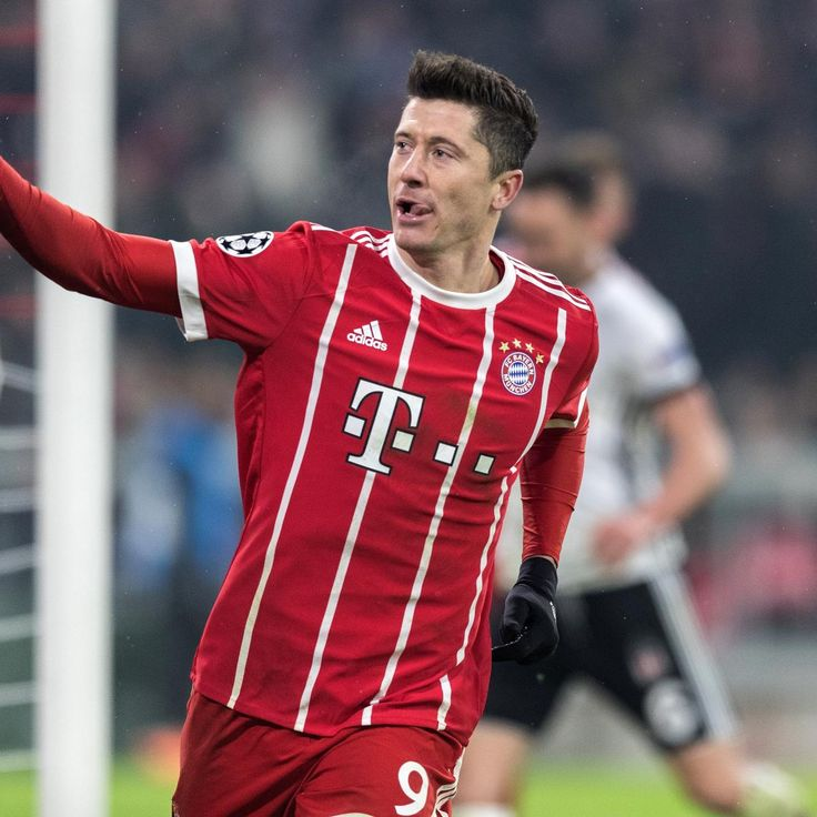 Manchester United Transfer News: Robert Lewandowski, Christian Eriksen Rumours