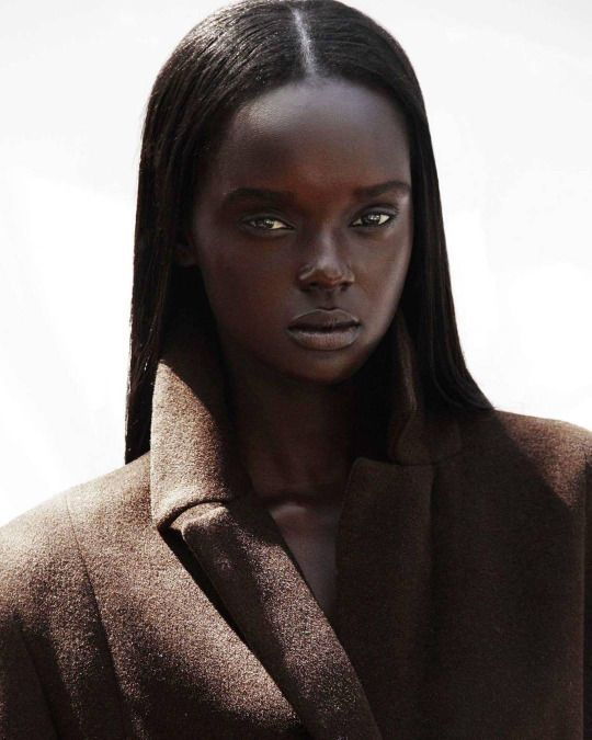 Duckie Thot Nude Photos 87