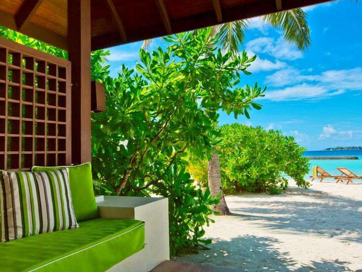 Kurumba Maldives Maldivene : Umiddelbar bekreftelse, lave priser, anmeldelser, kart, Kurumba Maldives Maldivene informasjon. Hvis du leter etter overnatting med praktisk plassering i Maldivene, trenger du ikke se lenger enn til Kurumba Maldives. Herfra har gjester lett tilgang til alt den livlige byen har å tilby. Dette mod