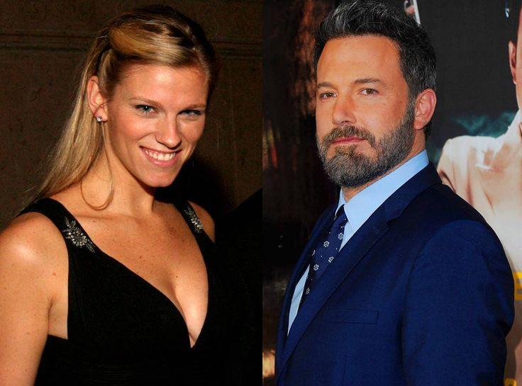 Ben Affleck @BenAffleck Dating Saturday Night Live Producer Lindsay Shookus 3 Months After… #Paparazzi #affleck #dating #lindsay #night