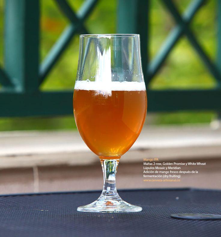 Mango IPA.  Esta cerveza es muy deliciosa, tiene un intenso aroma y sabor a mango, pero también tiene sabores ligeros y complementarios a durazno y miel, es medianamente amarga y muy refrescante.  http://www.cerveza-artesanal.co/ipa-de-mango-con-maltas-2-row-golden-promise-y-white-wheat-lupulos-mosaic-y-meridian/