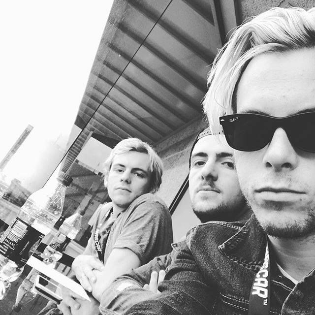 """Riker lynch posted alongside brothers Rocky and Ross Lynch: """"Got to see a NASCAR race today"""" #nascargoeswest"""