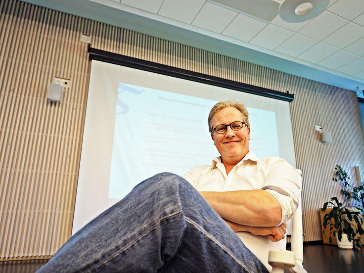 Kalle Michelsenillä oli asiaa johtamisesta. Vantaalla rakennetaan uuden ajan lähiesimiestyötä.