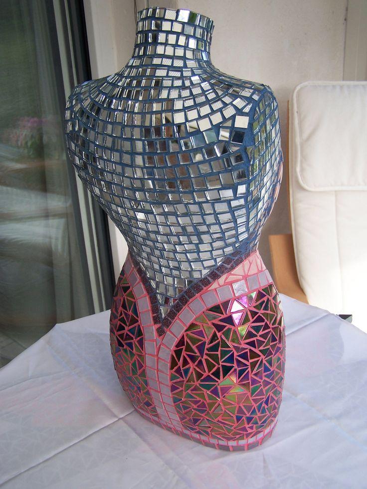Buste femme mosaique rose mauve et miroir mauve bijoux for Miroir mosaique