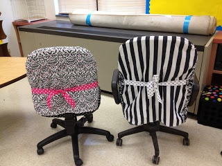 First Grade Spies: Teacher Chair Makeover-uses a pillow case for the top