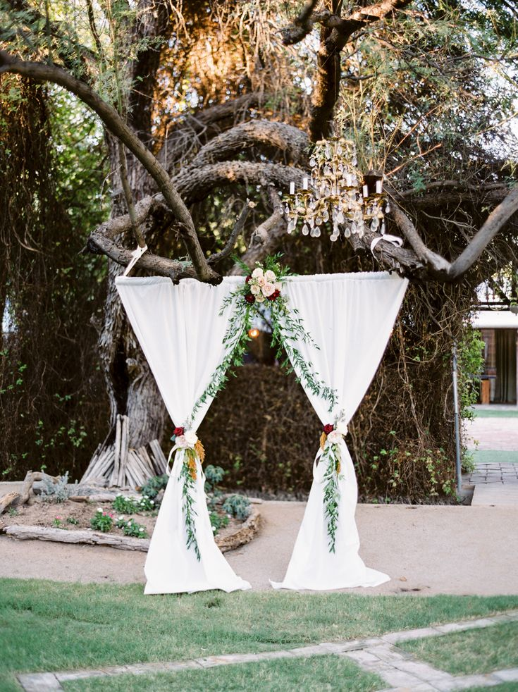 Photography : Michael + Anna Costa Photography Read More on SMP: http://www.stylemepretty.com/arizona-weddings/phoenix/2016/04/28/this-intimate-wedding-will-tug-right-at-your-heartsrings/