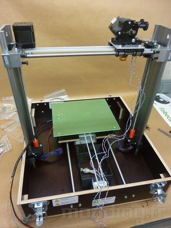 Présentation et montage d'une imprimante 3D TOBECA 2
