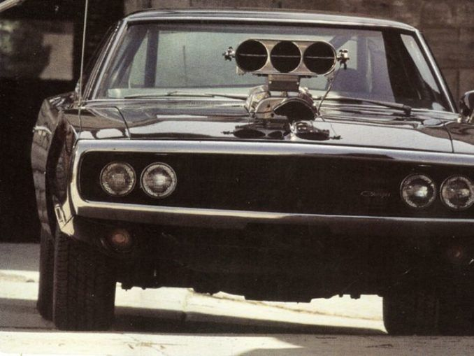 Top 10 Muscle Cars   – Awesome Stuff