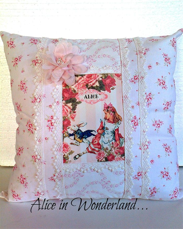 """Sweet Cushion"" Alice in Wonderland"