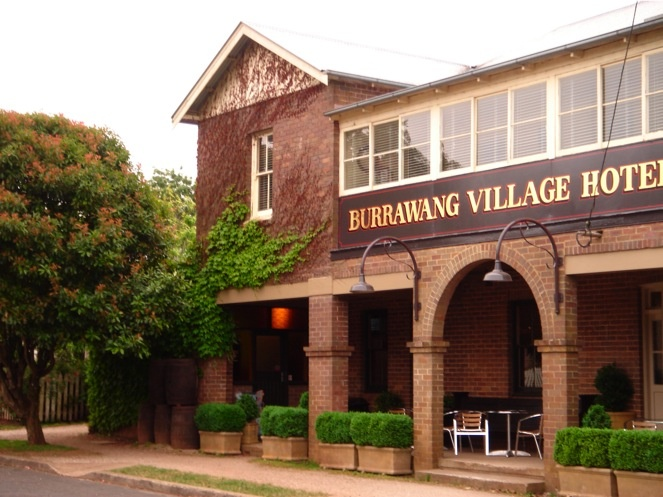 Burrawang Hotel - 1.5 hours from Sydney and feels like another country (or at least state) - great views and food