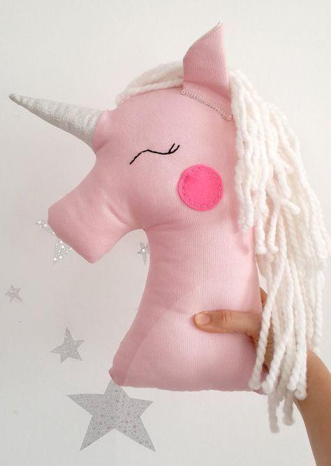 Las 25 mejores ideas sobre peluches de unicornio en - Patrones de cabezas de animales de tela ...